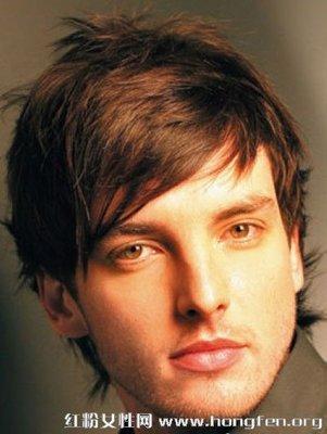 脸瘦的男生适合什么发型  脸瘦的男生留什么发型