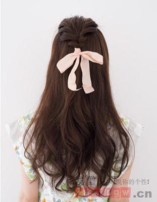 公主头半扎发发型教程