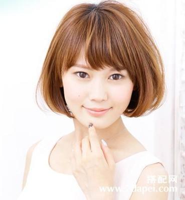 脸短的适合什么样的发型  脸比较宽的女人适合什么样的短发型